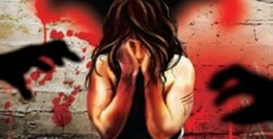 फ्रुटी ख्वाएर बेहोस बनाई बालिका बलात्कार