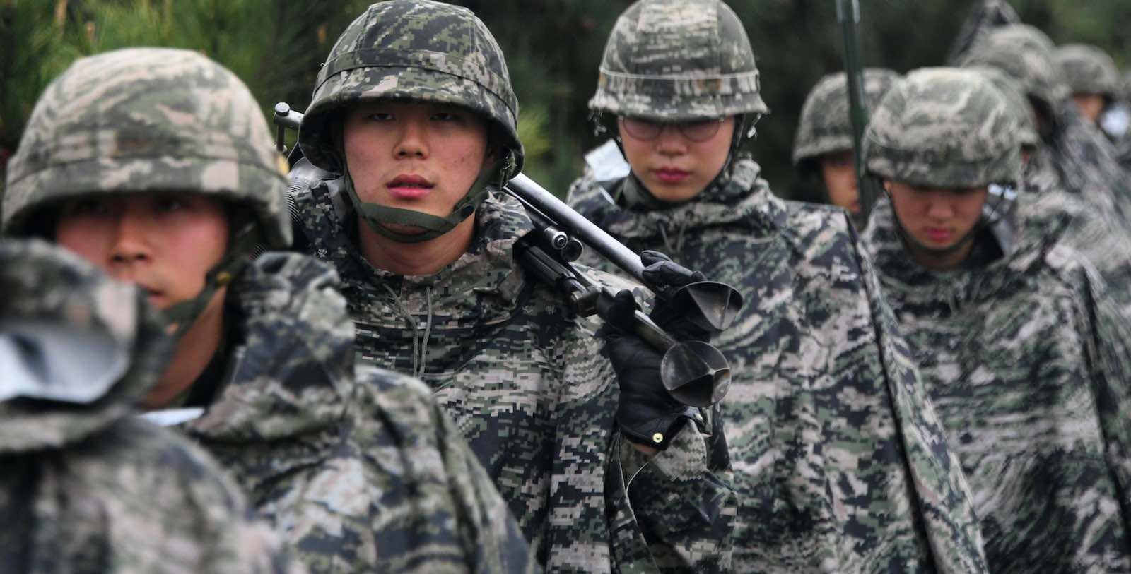 कोरियामा अनिवार्य सैन्य सेवामा जान नचाहने युवाको संख्या बढ्दै