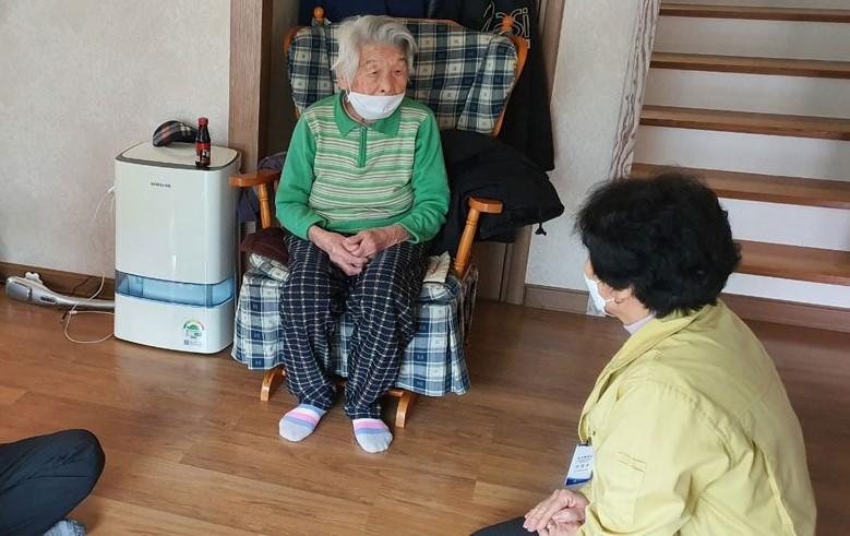 कोरियाकी ९६ वर्षीया बृद्धाले जितिन कोरोना