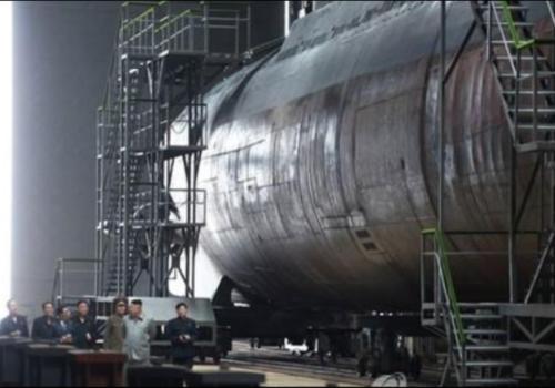उत्तर कोरियाले नयाँ पनडुवी सैन्य जहाज सञ्चालनमा ल्याउदै