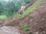 मध्यपहाडी लोकमार्ग अन्तर्गतको घोडाबाँधे–हटिया खण्डमा जोखिमै जोखिम