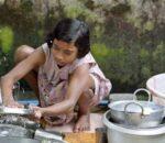 घरेलु श्रमिक बालबालिकालाई शैक्षिक सामाग्री वितरण