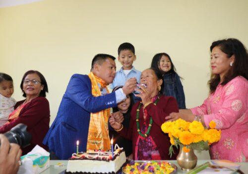 अनाथसँग समाजसेवी पारुहाङ्ग राईको जन्मदिन