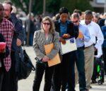 लाखौं अमेरिकी बेरोजगार, कोभिडका कारण रोजगारीमा फर्कन हिच्किचाहट