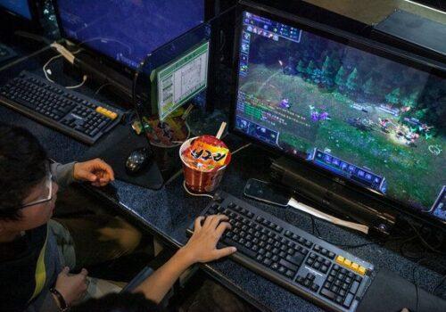 दक्षिण कोरियामा कम्प्युटर गेम खेल्न नदिदा आफ्नै आमालाई चक्कु प्रहार